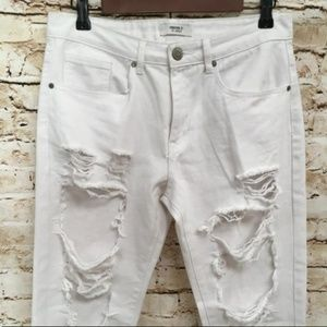 White Destroyed Ripped Ankle High Rise jeans 27